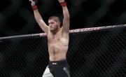 麦格雷戈在UFC回归中打败不败的冠军Nurmagomedov